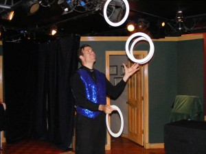 Lou Johnson juggling at Broadway's Snapple Theater