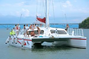 Catamaran-sailing-and-snorkeling-samana-bay