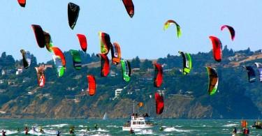 kite_surfers_wallpaper_o1vc