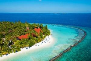 kurumba-maldives-beach-300x200 Maldives - The Adventurous destination for Nature Lovers