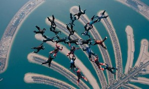 Skidiving On Plam Jumeriah