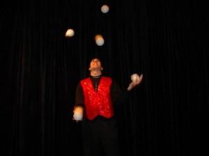 juggle5-300x225 Lou Johnson - Magician, Juggler & Stiltwalker Extraordinaire