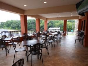 Al-fresco patio dining at Seven Star Diner