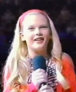 taylor swift young singing
