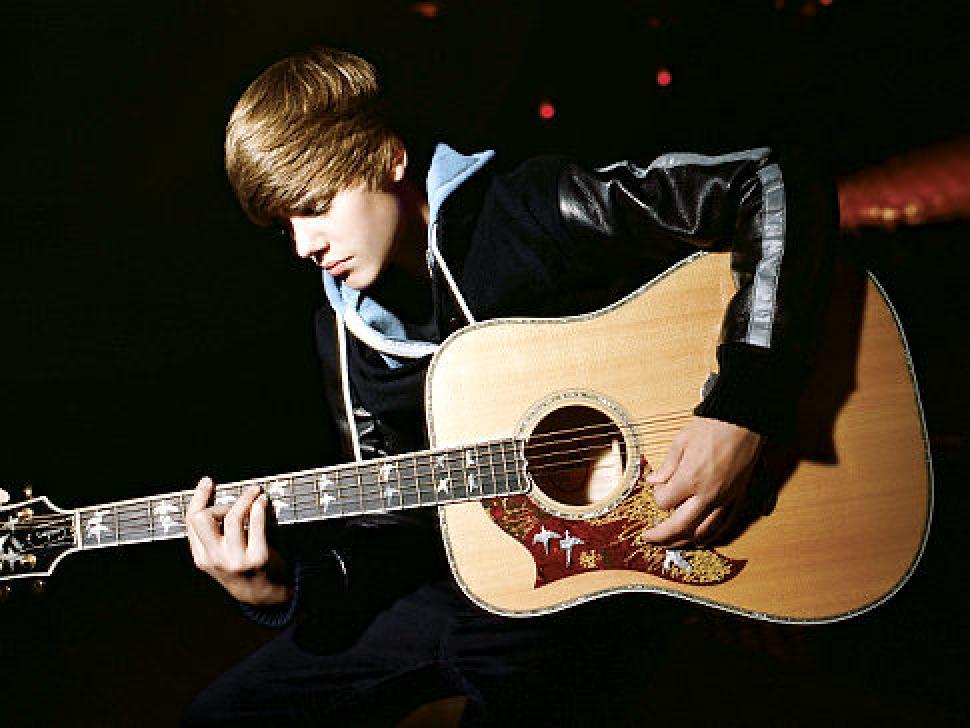 Biber Justin-Bieber-guitar