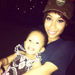 Tiffany Evans w child