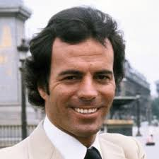 Biography.com_ Julio Iglesias Remains Latin Music's Beloved Star