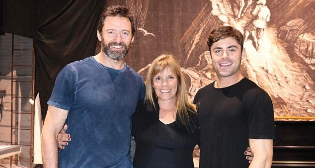 3D436CB900000578-0-Celebs_with_a_lucky_mom_Zac_wished_his_mother_a_happy_birthday_o-m-87_1487194663315-1 Hugh Jackman: How the Greatest Showman Got His Start