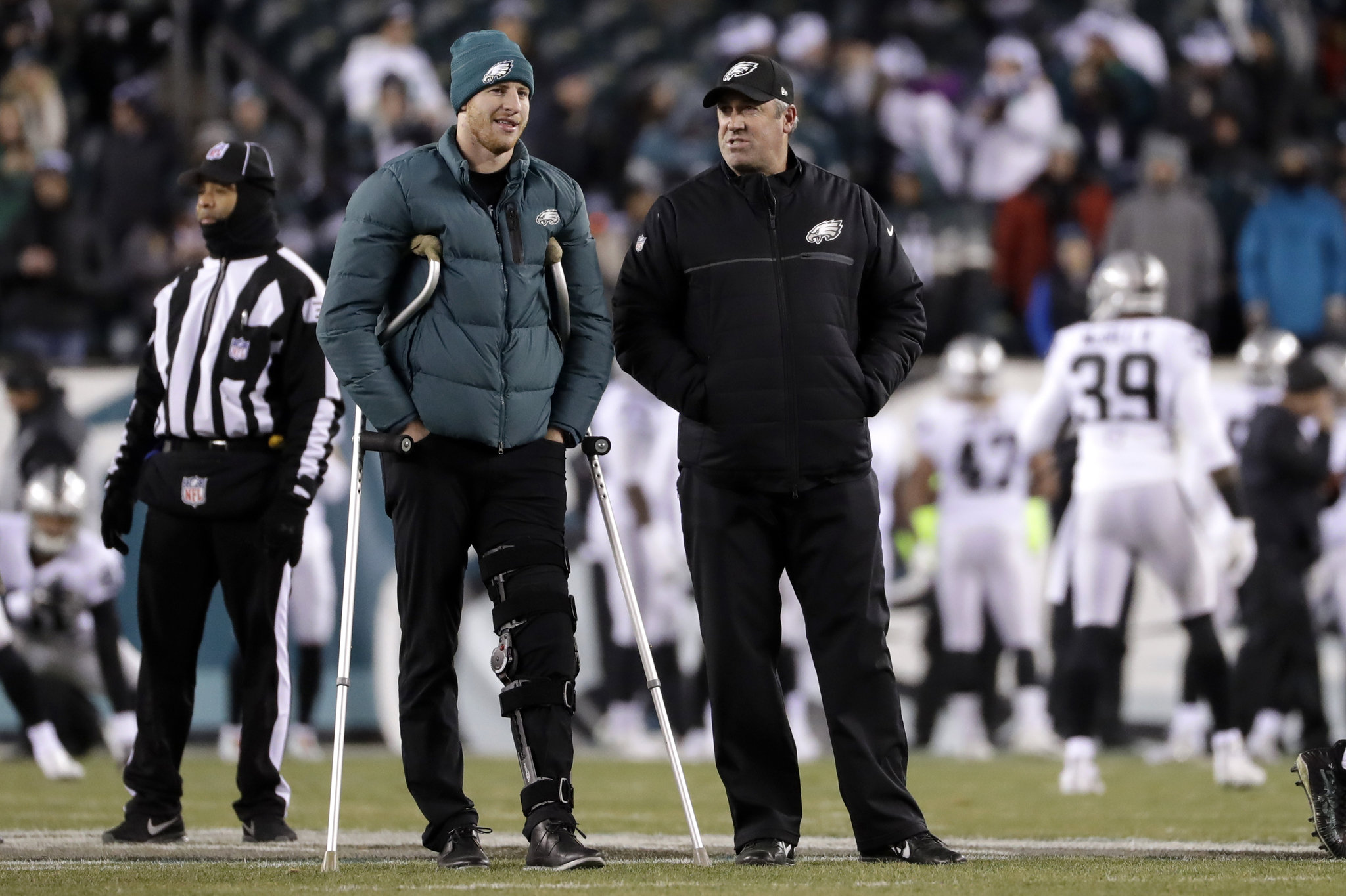 raiders-eagles-football-6428ab63e09bc0ba Carson Wentz -- doing whatever it takes to get there.