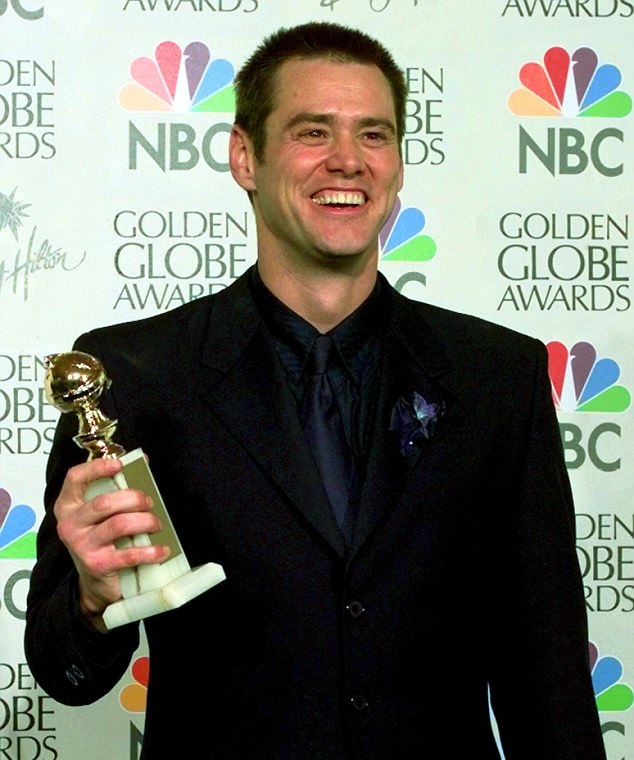article-2601450-00164F5D00000258-746_634x780-1 Jim Carrey - The comedian for all ages!