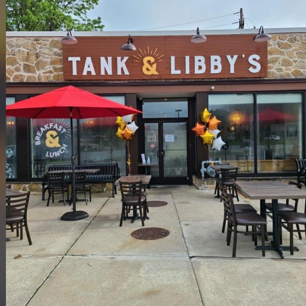 tank-and-libbys-restaurant-outdoor-sitting-1024x1024 Tank and Libby's Restaurant: American Classic Cuisine with a Twist